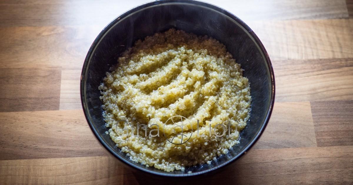 Fluffy quinoa